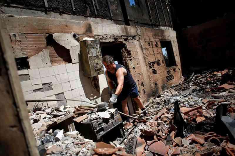 Anselmo Papendorf ficou sem a casa onde passava férias Reuters / Pedro Nunes