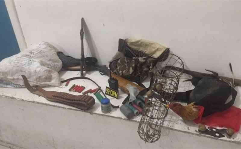 Homem é preso por envolvimento com rinhas de galos no povoado de Caldeirão, em Araci, BA