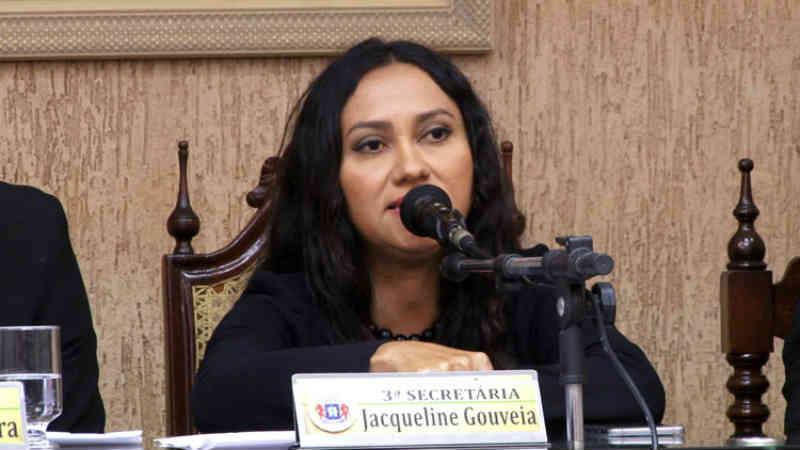 Após vídeo, vereadora de Juazeiro (CE) pede demissões no Centro de Zoonoses por maus-tratos aos animais