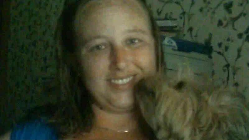 Mulher é presa por cuidar de animais abandonados sem licença veterinária durante furacão Florence