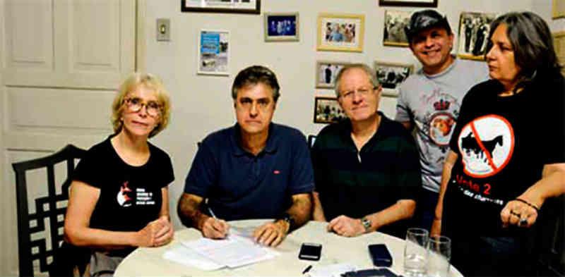 Comissão da OAB e ONG propõe destinação para cavalos das charretes em Petrópolis, RJ
