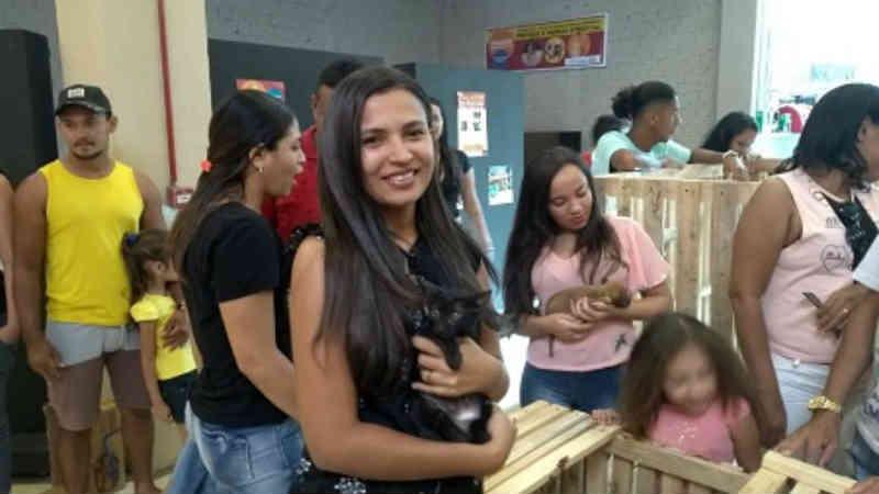 Dezenas de cães e gatos ganham novo lar através de feira de adoção em Caxias, MA