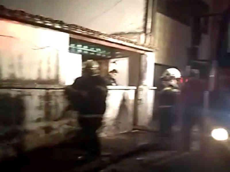 Vela esquecida acesa causa incêndio em abrigo de animais em Fortaleza, CE