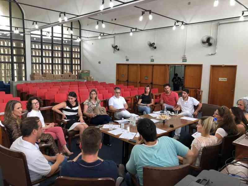 Grupo se mobiliza contra maus-tratos aos animais e promove evento de adoção em Adamantina, SP