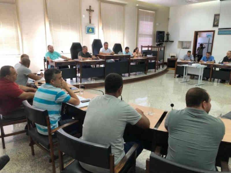 Lei aprovada por unanimidade proíbe queima de fogos de artifício em Cataguases, MG