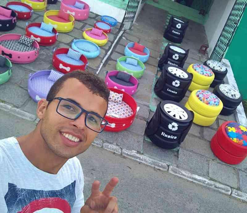 Jovem artesão transforma pneus velhos em caminhas para cães e gatos, em Campina Grande, PB
