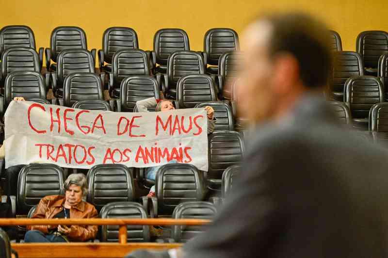 Lei que proíbe uso de animais em testes para cosméticos e materiais de limpeza é sancionada em PE — Foto: Guilherme Almeida/CMPA