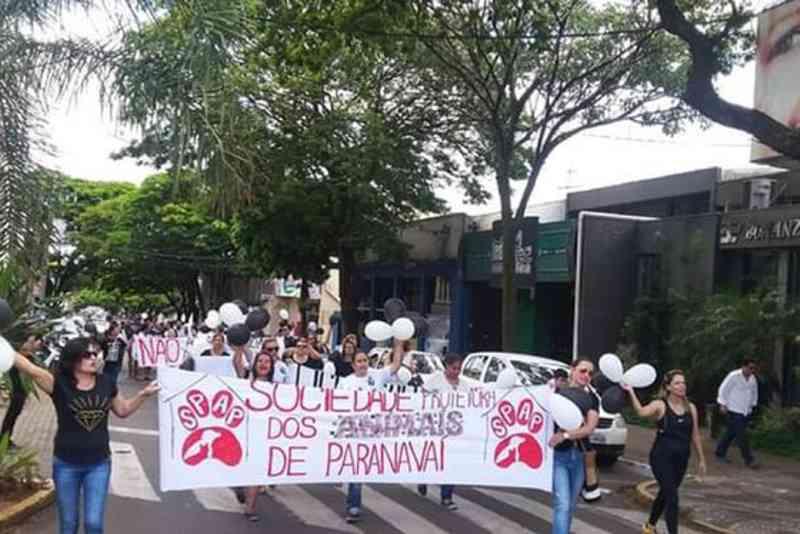 Passeata em Paranavaí (PR) pediu mais atenção das autoridades com a causa animal