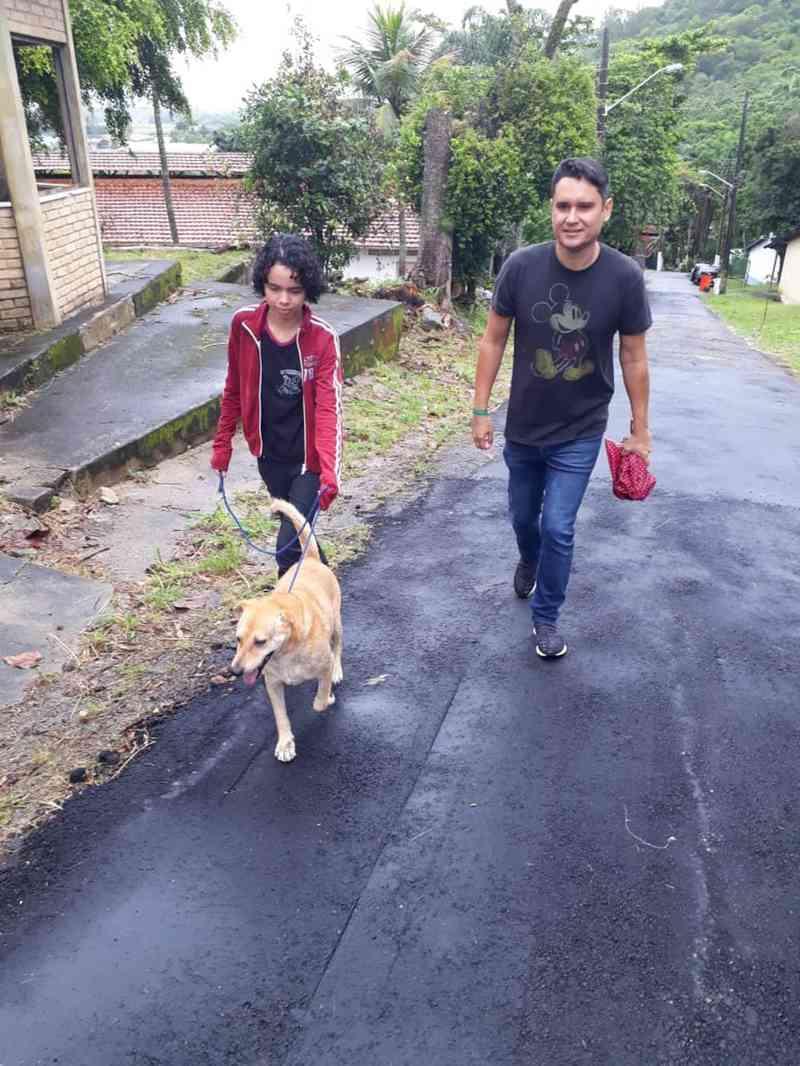Evento 'Cada um cuida de um' promove banhos e passeios com animais abrigados na Fazenda Modelo, no Rio