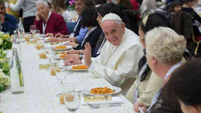 Menina de 12 anos desafia Papa a virar vegano durante Quaresma