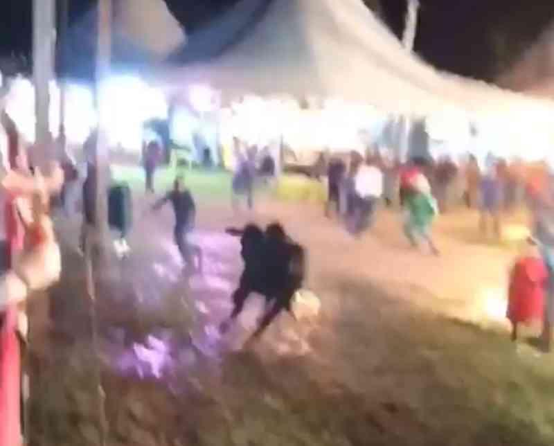 Touro escapou em rodeio de Lins — Foto: Reprodução/TV TEM