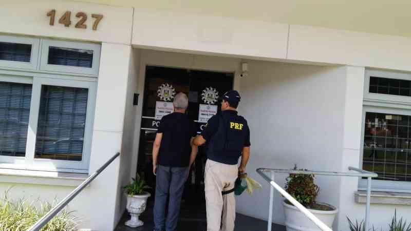 PRF prende homem por maus-tratos a galos em Osório, RS