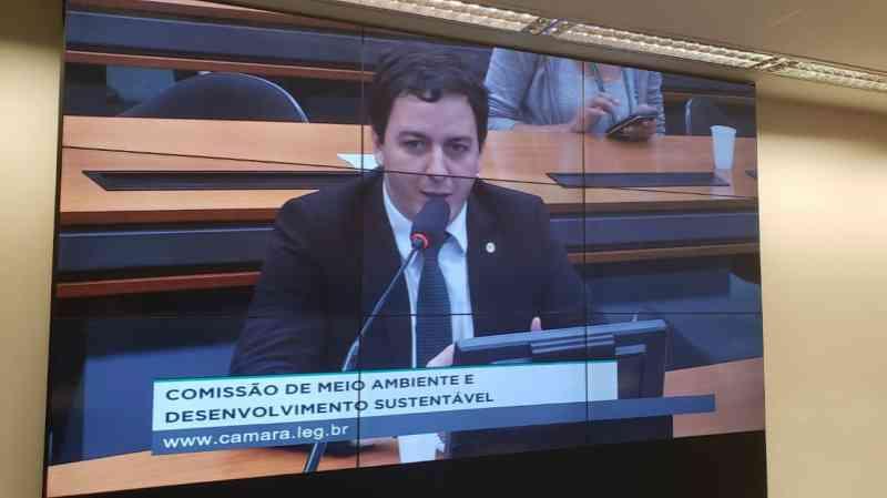 Célio Studart é eleito presidente da Subcomissão em Defesa dos Direitos dos Animais da Câmara Federal