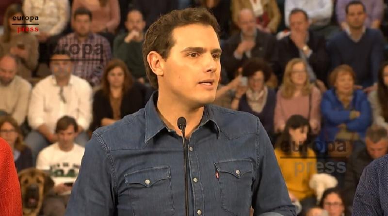 Espanha: Partido propõe que os animais não sejam considerados objetos e prevê punições mais rígidas para abandono e maus-tratos
