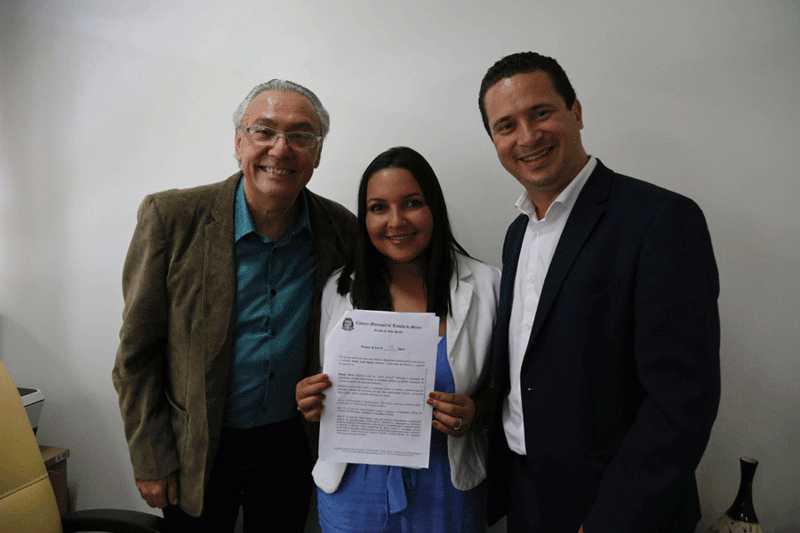Câmara de Taboão da Serra (SP) aprova projeto Abril Laranja: mês de prevenção contra maus tratos aos animais