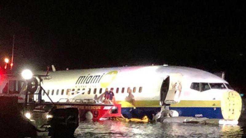 Avião comercial cai em rio nos EUA. EPA/LUSA