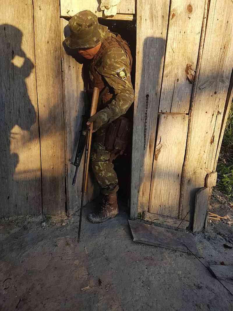 PM desmonta acampamentos de caça ilegal em Porto Seguro, BA