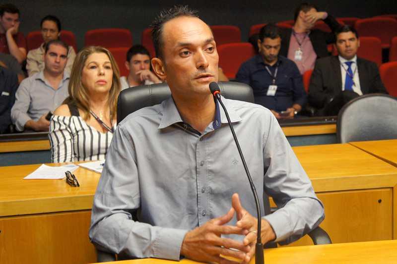 Vitor foi ouvido por membros da CPI dos maus tratos a animais. Foto: Divulgação