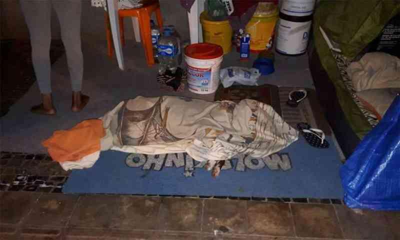 Morte de cão de moradora de rua causa comoção em Belo Horizonte