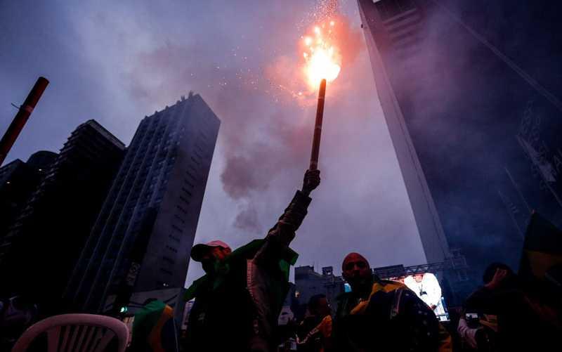 Ministro do STF revoga decisão e volta a proibir fogos de artifício em São Paulo