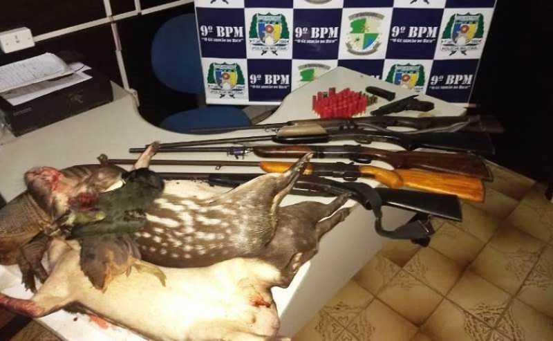 Armas apreendias e animais abatidos / Foto: Divulgação/PM