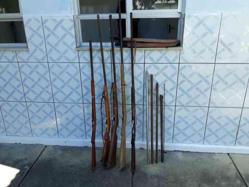 Homem é preso por posse de arma de fogo e maus tratos de animais em Piritiba, BA