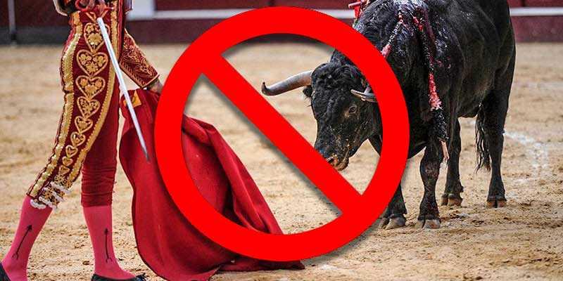 Touradas e brigas de galo proibidas no Estado do México