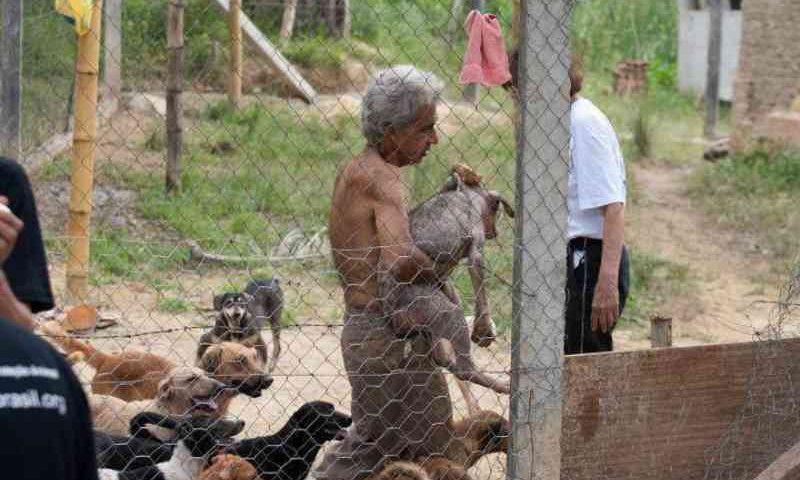 Associação Protetora dos Animais de Além Paraíba (MG) é despejada