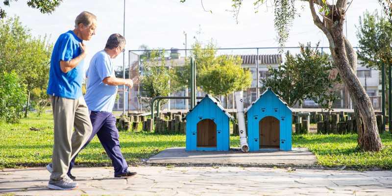 As casas são compradas ou construídas e instaladas pela própria comunidade | Foto: Vinicius Thormann / Divulgação / CP