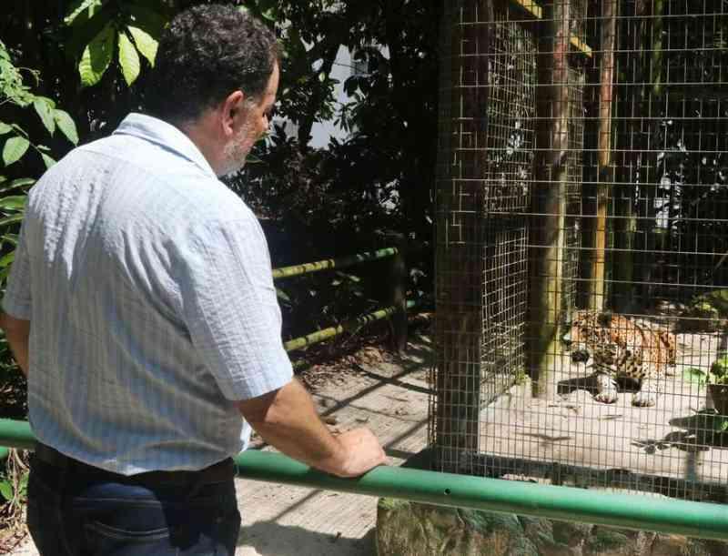 Animais do zoológico do Tropical Hotel recebem visita de técnicos do Ipaam