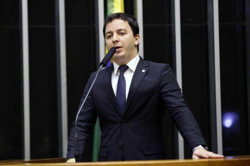 Célio Studart: a prestação de serviço à comunidade será aliada da luta pela proteção animal - Michel Jesus/Câmara dos Deputados