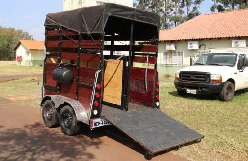 Carreta que vai ser usada no resgate de cavalos em Maringá / Aldemir de Moraes/PMM