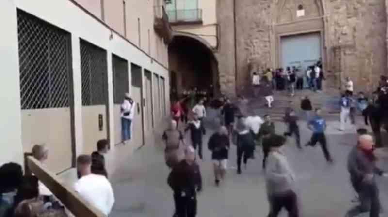 O debate sobre os 'correbous' também atinge as festas de Cardona, Espanha