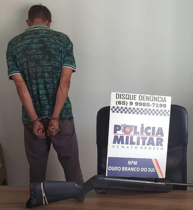 Homem é preso suspeito de atirar em cadela em Itiquira (MT) — Foto: Polícia Militar - MT
