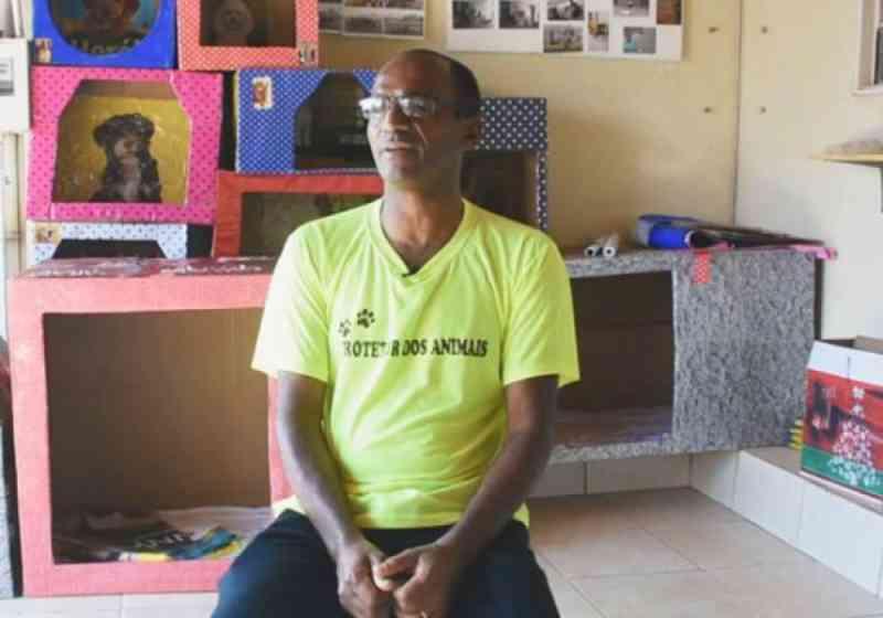 Artesão já fez mil casinhas para cães abandonados: de graça
