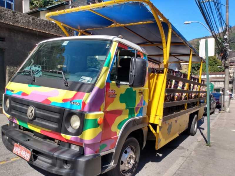 Fim das charretes: Jardineira é testada como possível transporte turístico em Petrópolis, RJ
