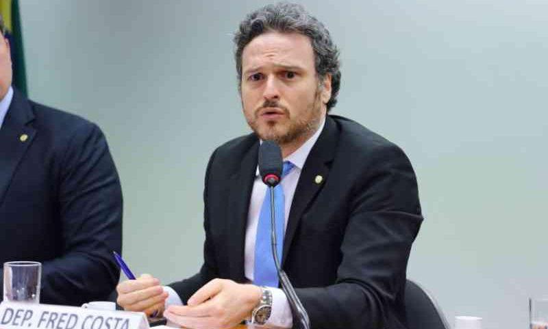 Projeto aumenta representação de sociedades protetoras de animais em comissões de ética