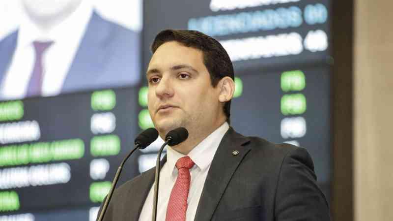 Projeto de Lei quer proibir uso de correntes em animais domésticos em Pernambuco