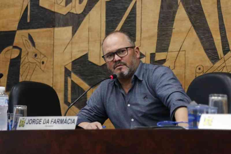 Vereador de Ponta Grossa (PR) quer proibir criação de pássaros em gaiolas