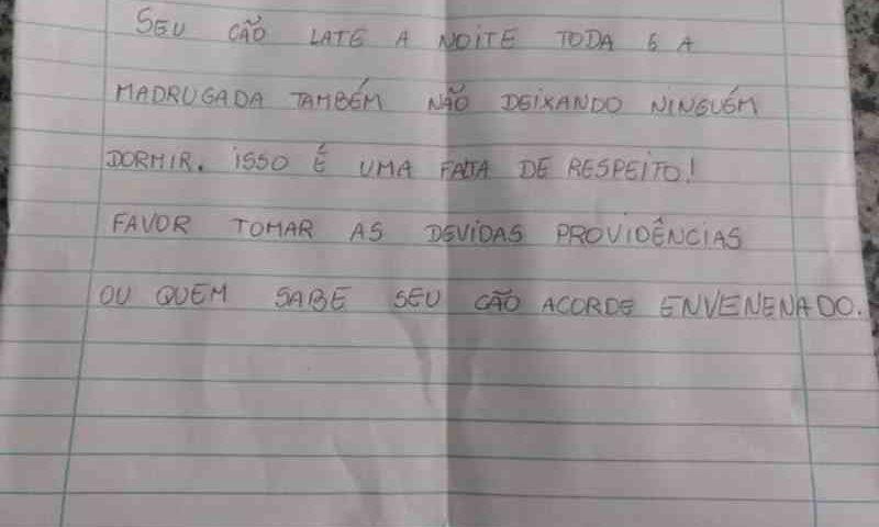 Morador denuncia bilhete com ameaça a pit bull por latir a noite toda: 'Quem sabe acorde envenenado'