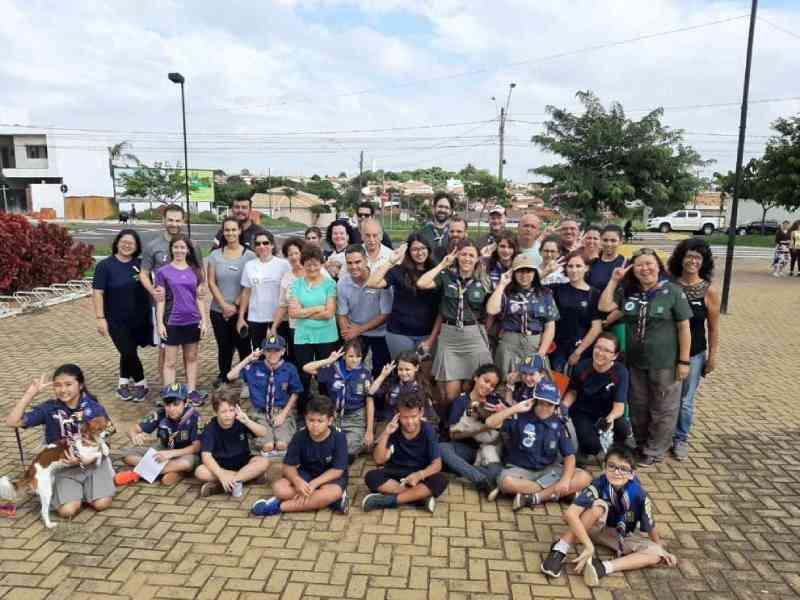 Grupo Escoteiro de Catanduva (SP) participa de caminhada em prol dos animais