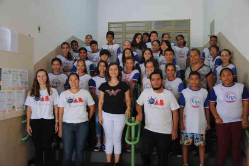 OAB Junqueirópolis ministra palestra de proteção aos animais na EE Pecorari