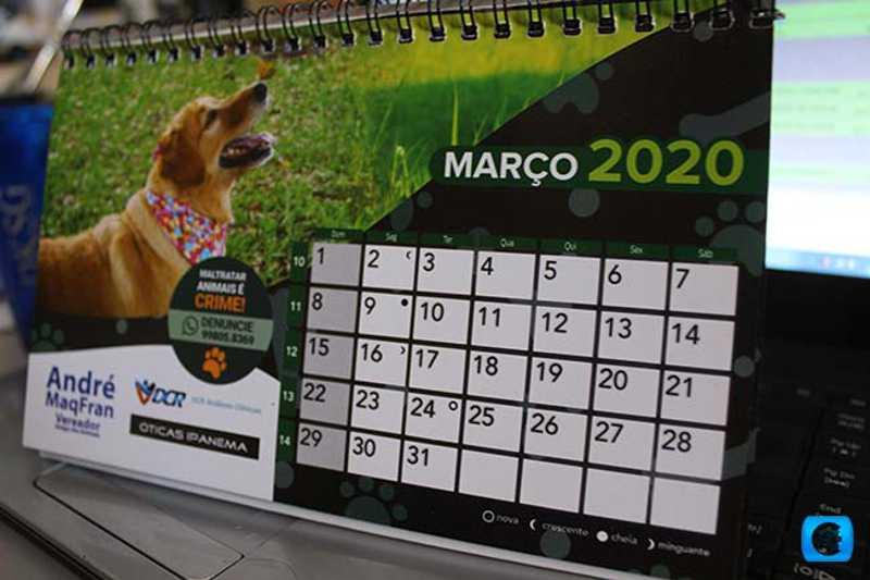 Calendário para ajudar animais de rua é vendido em Cosmópolis, SP