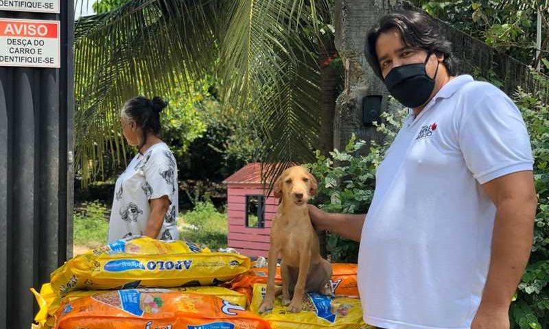 ONG de Fortaleza cadastra protetores de animais para distribuir cinco toneladas de ração. — Foto: Divulgação/Instituto André Araújo