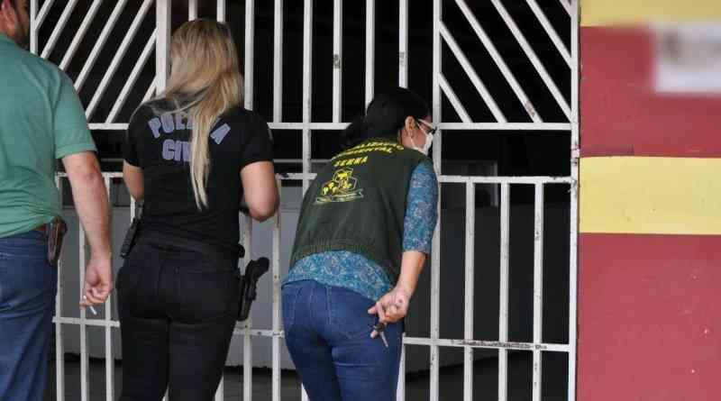 Polícia Civil resgata cachorro trancado em residência em meio a fezes, em Paragominas, PA