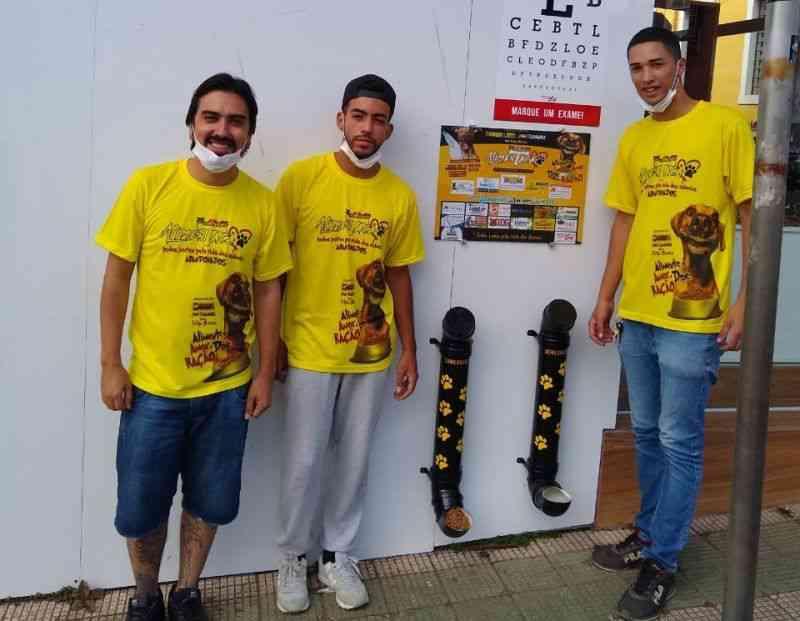 Jovens iniciam projeto para matar fome e sede de animais abandonados em Ibiúna, SP