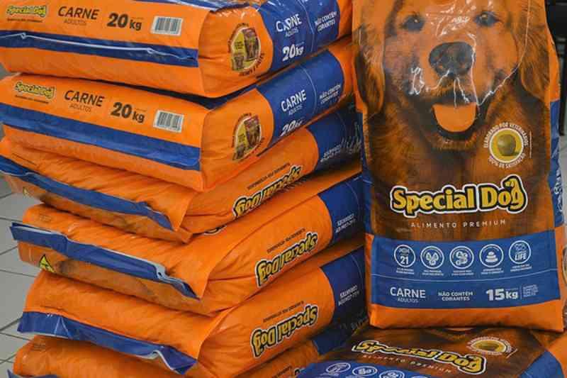 Debea de Jundiaí (SP) recebe ração para cães de pessoas em vulnerabilidade