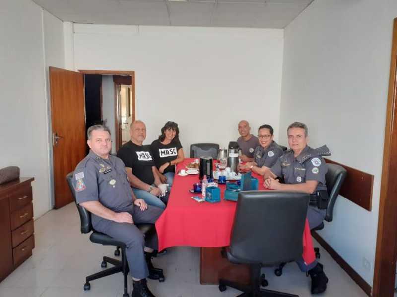 Representantes do MRSC e da Polícia Militar
