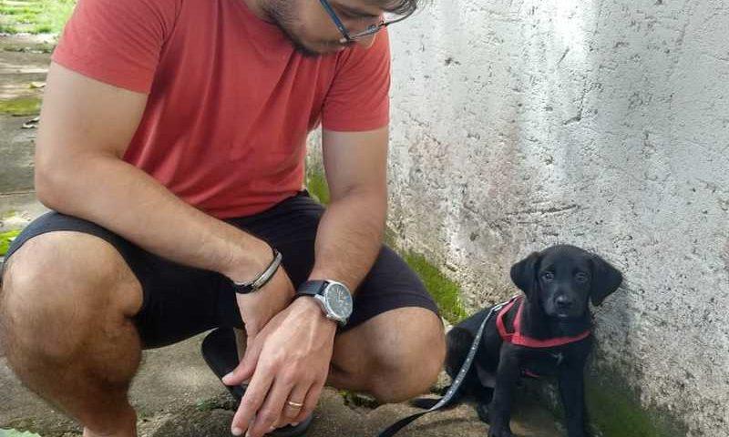 O contador Hugo Costa conseguiu resgatar o pequeno Pascoal, após três dias no bueiro — Foto: Helen Goulart/Arquivo Pessoal
