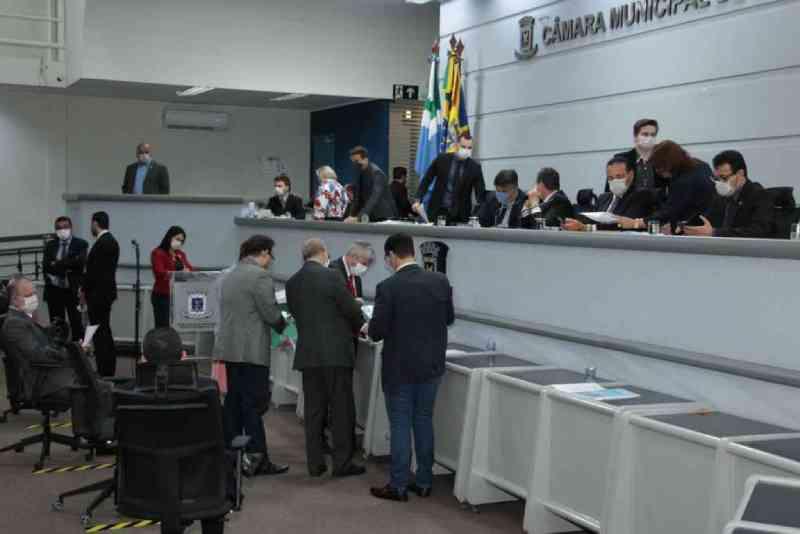 Prefeitura de Campo Grande (MS) manda para Câmara veto a trecho de lei sobre protetores e cuidadores de animais